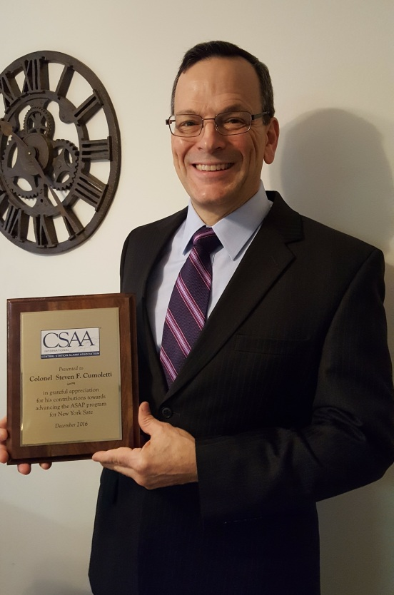 steve-cumoletti-with-asap-plaque-cropped